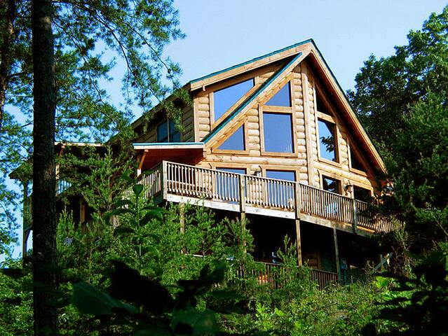 the hemingway gatlinburg chalets cabin rentals tennessee